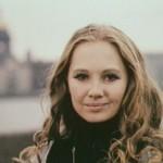 Russian actress Larissa Luppian, Liza's mother