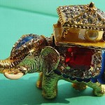 An elephant vintage brooch