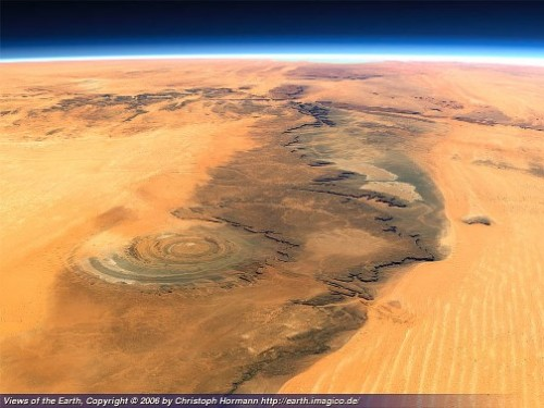 huge circular formation (50 km in diameter - 30 miles), that resembles an eye when looked upon from space