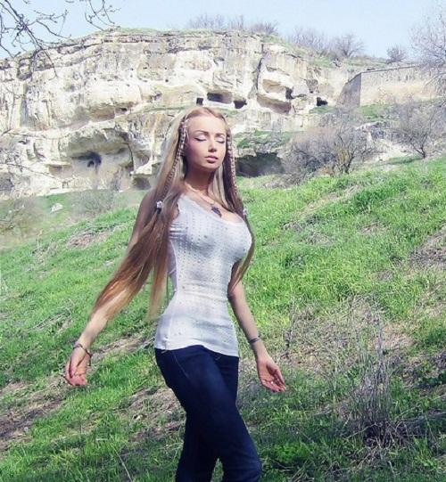 meditating Lukyanova