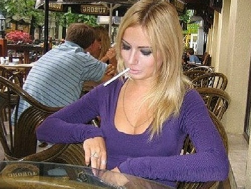 smoking valeria