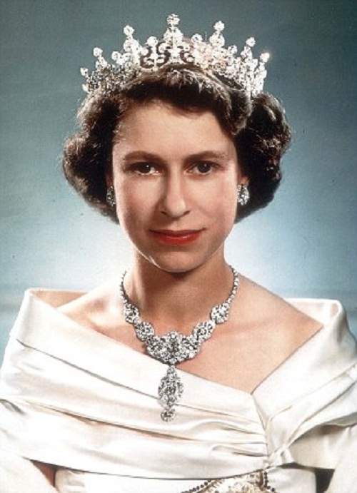 The Royal diamond collection. Princess Elizabeth, photographed at Clarence House