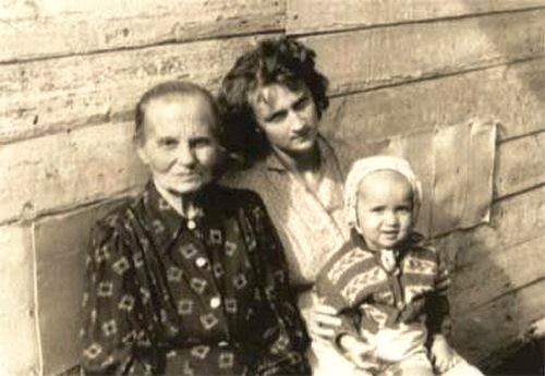 Granny Olya spent all her life in the village. Family Album of Putin