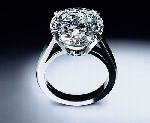 World's most expensive engagement ring. Price:$ 1.83 million