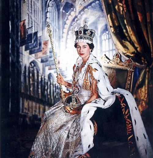 Unique exhibition at Buckingham Palace. Her Majesty wears the Imperial State Crown and holds the Sovereign's Scepter
