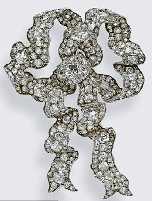 The Lover's Knot Brooch