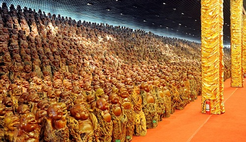 Ten Thousand Buddha Garden sculptures on display in Zhengzhou, China