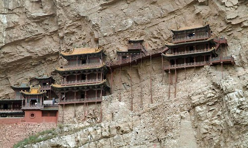 Amazing Hanging monasteries all over the world. Hanging monastery clings to the side of Mountain Huashan in China