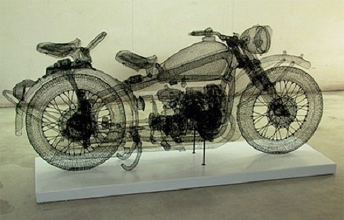 Three dimensional sculpture made of steel wire by Chinese artist Shi Jindian