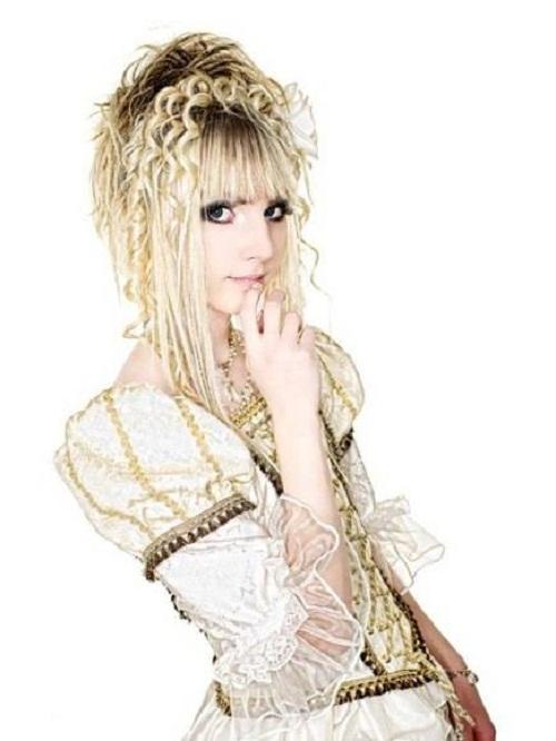 Yohio Japanese Doll-Like girl is a Swedish boy