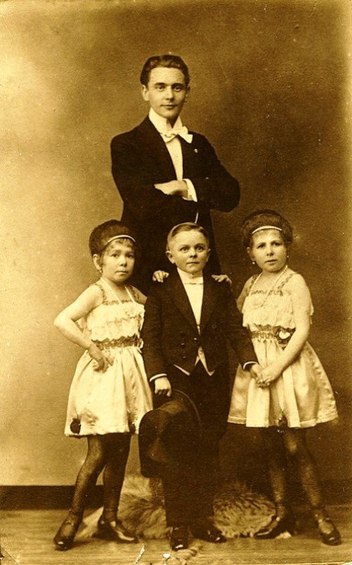 The Pick sisters were clearly the stars of Hans Kasemann's troupe, with Kasemann and flanking Willie Blaseri