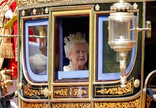 Beauty Will Save Queen Elizabeth Ii Beauty Will Save