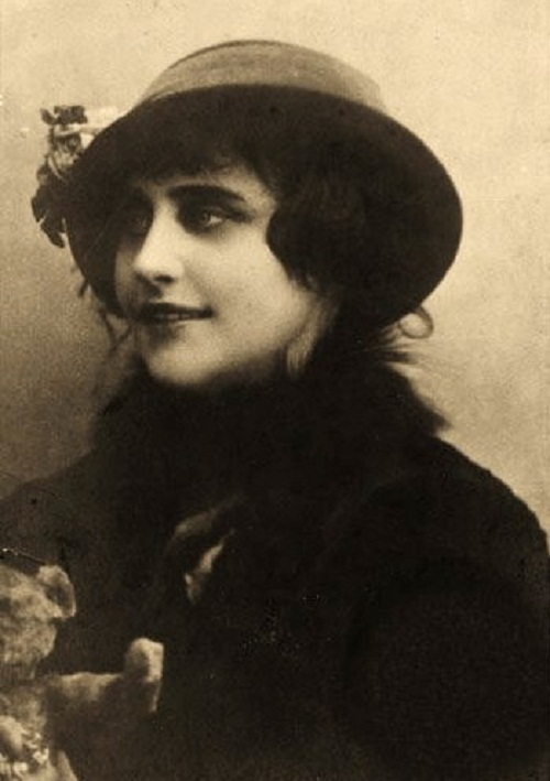 Vera Kholodnaya first Russian cinema star
