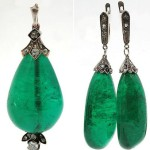 "Pendant and earrings with natural emeralds, diamonds and diamond-cut ""rose"""