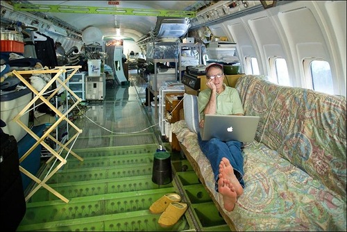 Bruce Campbell turned Boeing 727 into his house
