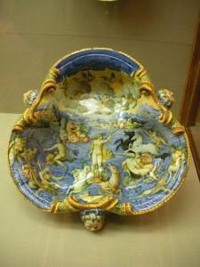 Stunning decorative plate, majolica
