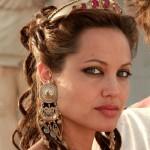 Angelina Jolie in Earcuff earrings