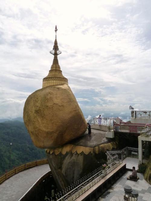 Chayttiyo Pagoda Golden Stone