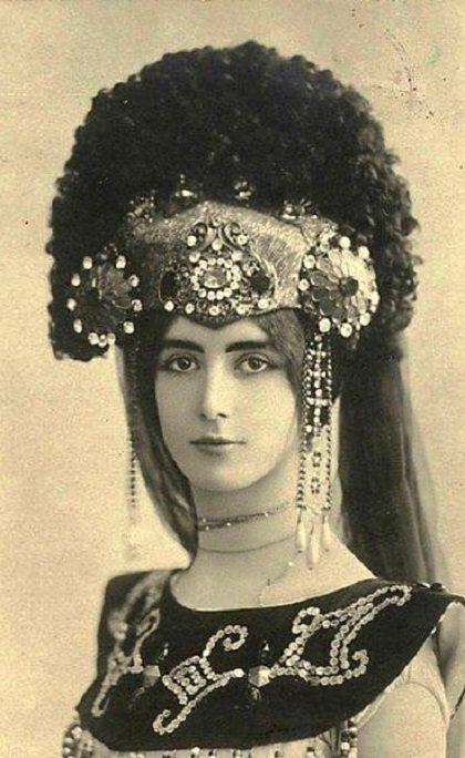 Personification of beauty, Cleo de Merode Belle Epoque star