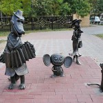 Cheburashka and crocodille Gena. Positive monuments of cartoon characters in Ramenskoye