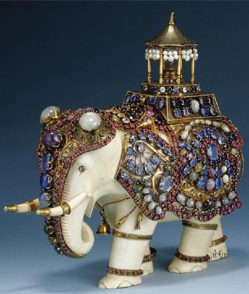 Seven porcelain elephants welcome back