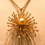 Exquisite pendant with a pearl