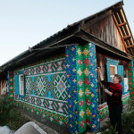 Olga Kostina decorated facade of a courtyard buildings with recycled plastic bottle caps