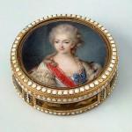 Snuff box with a portrait of Princess Catherine Orlova-Zinovyeva. Gold, enamel, stamping, painting. Master Koltellini (miniature). Switzerland. 1780s