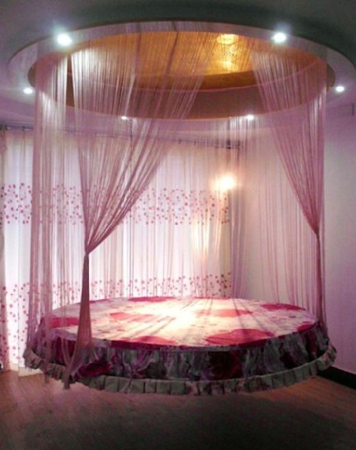 Flying bed made in China, in a few seconds, it can be completely hidden it in the ceiling