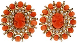 Coral earrings of white gold