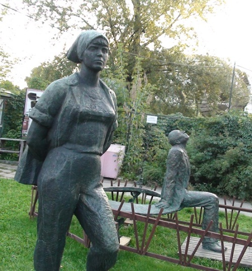 Sculpture by Vera Mukhina, Museon Park in Moscow
