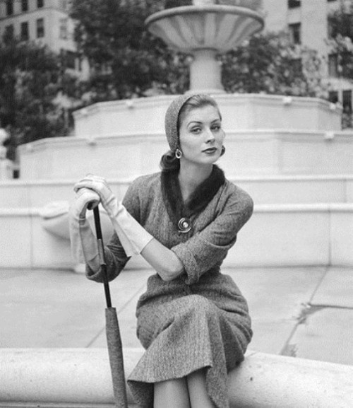Bygone era of femininity by Nina Leen