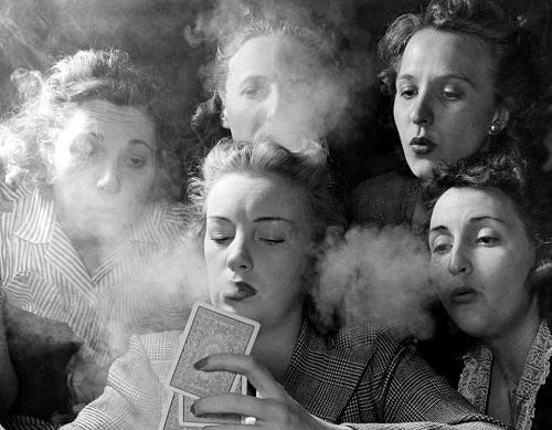 1950s American women in fashion photography by Nina Leen