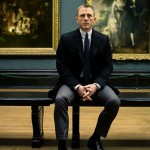 In a picture gallery, James Bond Daniel Craig