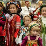 Children in Pavlovsky Posad Shawls