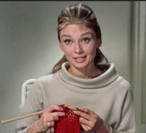 Celebrities knitting - Beauty will save