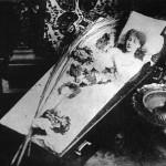 While much has been said about her famous coffin, who allegedly accompanied the actress everywhere! Gossip on this account with pleasure increased Bernhardt herself