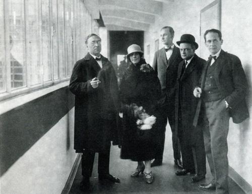 From left to right - Wassily Kandinsky, Nina Kandinsky, Georg Muche, Paul Klee, Walter Gropius. 1926