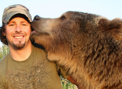 Casey Anderson and Brutus the bear