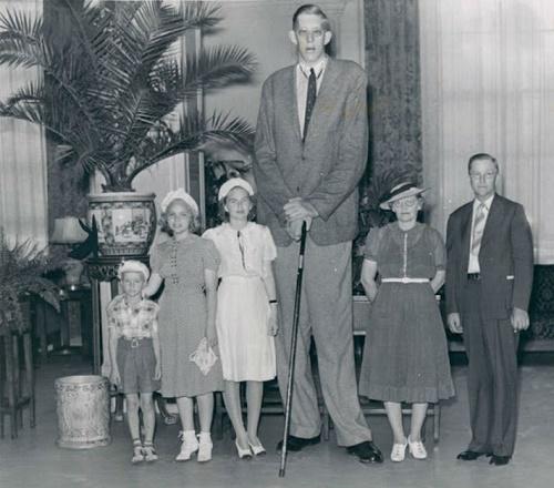 Robert Pershing Wadlow (February 22, 1918 – July 15, 1940)