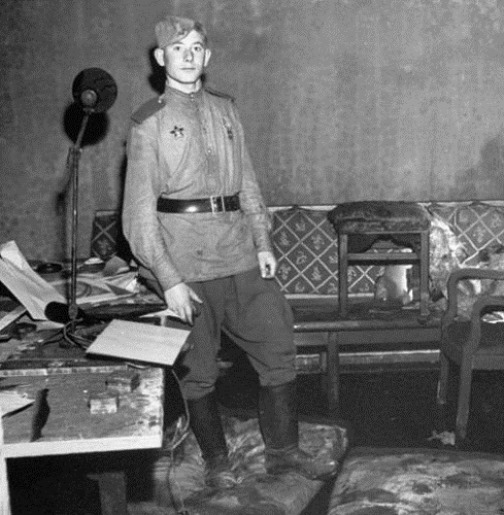 Inside Hitler and Eva Braun Bunker