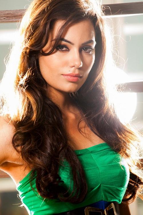 Max Femina Miss Fashion Icon- crowned by Saurabh Garg-Regional Operations Head- West, Max Fashion