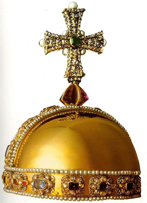 Power of Charles II. Robert Weiner, 1661, Gold, precious stones, pearls. Historic Royal Palaces London, UK