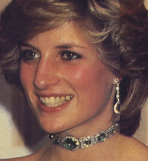 Art deco emerald and diamond choker was a wedding gift to Diana from the queen