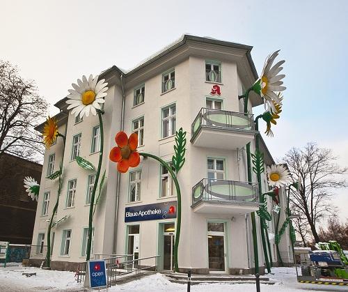Beautiful street art by Sergej Alexander Dott