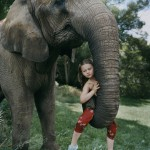 """""""Amelia was not taught to be afraid of animals, and her brothers and sisters - they are animals,"""" - says her mother - photographer."""