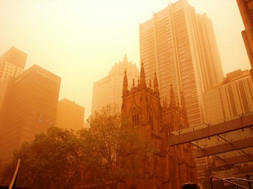 Sand storm in Sydney, 2009