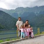 Dmitry, his wife and their five daughters - Elizaveta, Alexandra, Nadezhda, Tatiana and Varvara