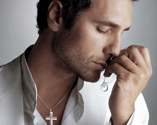 Italian actor Raoul Bova