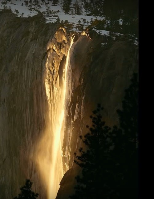 waterfall in Yosemite National Park in California